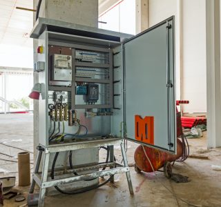 How To Use Temporary Power Distribution Services In A Crisis